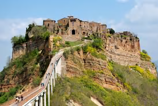 "Bike towards ""the dying city"" of Civita di Bagnoregio"