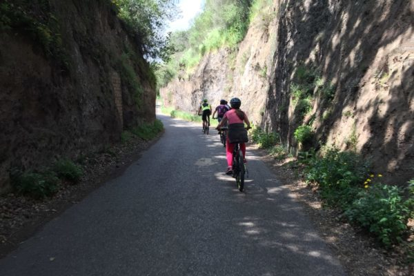 With the bike through Etruscan carved roads on the Via Francigena